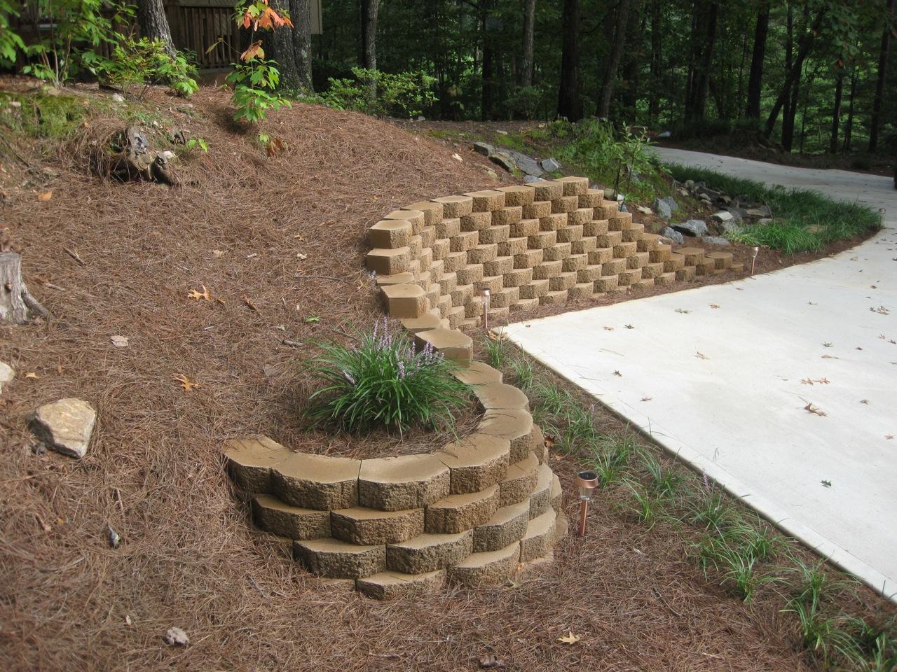 The fagenstrom co garden wall block great falls mt for Garden block wall ideas